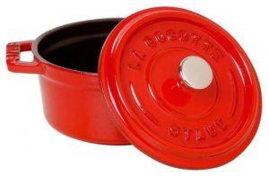 cocotte staub ronde et rouge